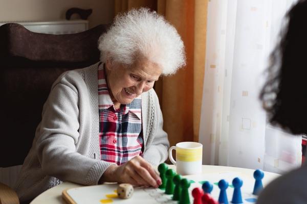 aide aux seniors assistance personne âgée domicile services à la personne
